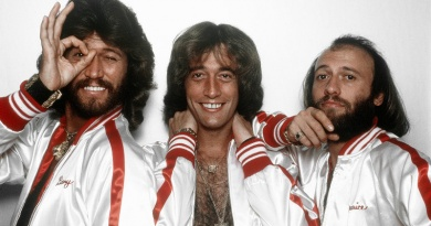 """In 1976 Bee Gees wentNo.1 with """"You Should Be Dancing"""""""