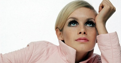 Twiggy, the world's first Supermodel turns 69