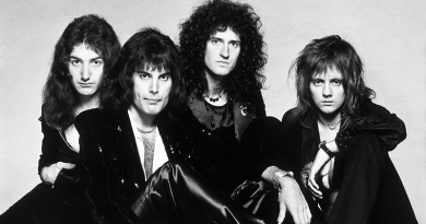 """In 1975, Queen's """"Bohemian Rhapsody"""" charts at No.1 for the first time"""