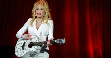 The iconic country music singer Dolly Parton was born on this day in 1946