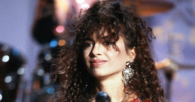 The Bangles founder and guitarist Susanna Hoffs was born on this day in 1959