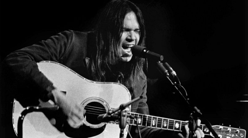 """On this day in 1972 Neil Young was No.1 at the Hot 100 with """"Heart Of Gold"""""""