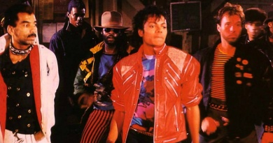 "Michael Jackson peaks to No.1 with ""Beat It"" in 1983"
