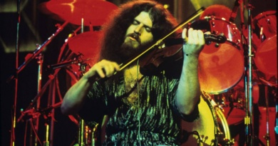 The charismatic Kansas violinist Robby Steinhardt turns 69 today