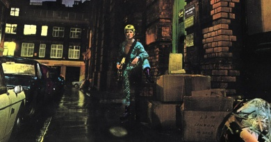 """The Rise And Fall Of Ziggy Stardust And The Spiders From Mars"": David Bowie's breakthrough masterpiece"