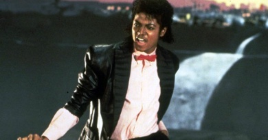 "Michael Jackson climbs to No.1 on the US Hot 100 in 1983 with his smash hit ""Billie Jean"""