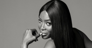 35 Amazing Naomi Campbell Photographs